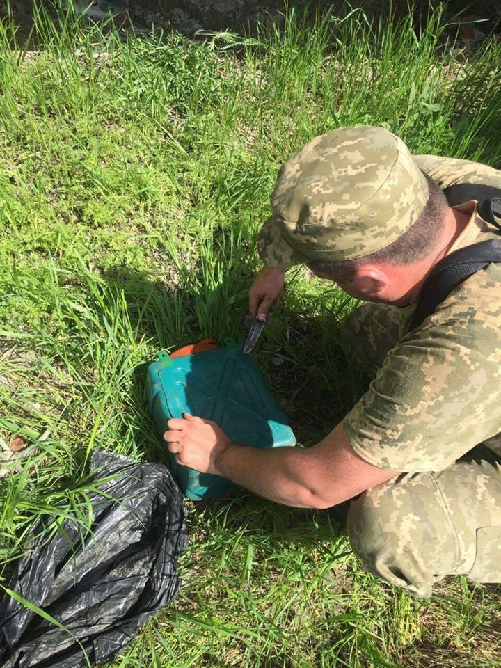 В мариупольской гостинице нашли схрон с боеприпасами (ФОТО), фото-6