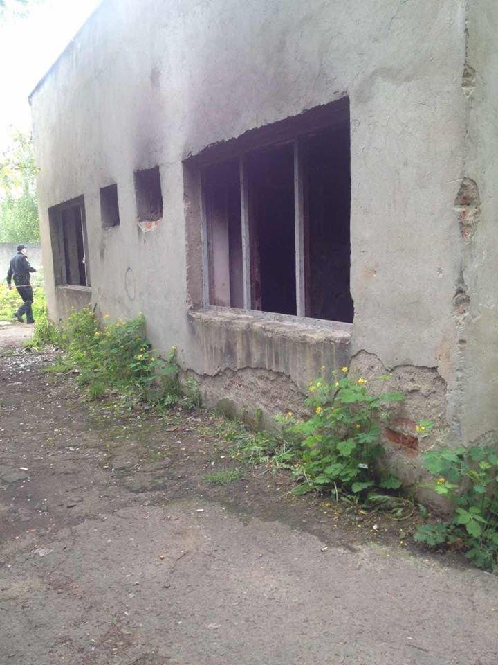У Мукачеві знайшли тіло людини з ознаками насильницької смерті: фото, фото-1