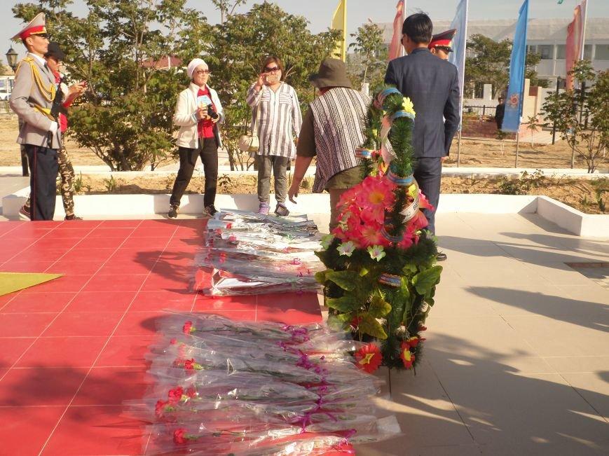 """Участники экспедиции """"Үстiрт құпиясы"""" возложили цветы у Вечного огня Курыка, фото-8"""