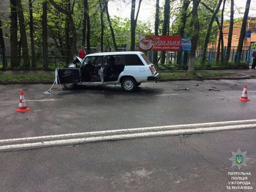 Ужгородські патрульні оприлюднили фото з майже десятка ДТП, які сталися упродовж доби, фото-1