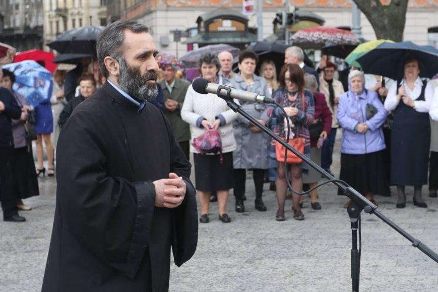 У центрі Львові духовенство усіх конфесій помолилось за місто і усіх львів'ян (ФОТОРЕПОРТАЖ + ВІДЕО), фото-8