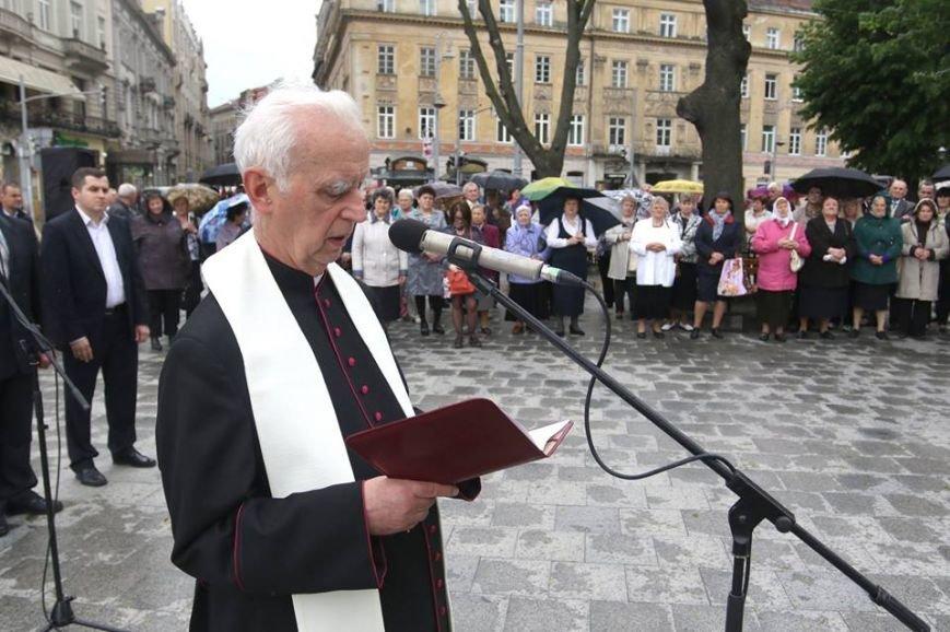 У центрі Львові духовенство усіх конфесій помолилось за місто і усіх львів'ян (ФОТОРЕПОРТАЖ + ВІДЕО), фото-2