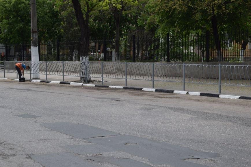 Бахарев заявил о готовности Симферополя к празднованию Дня Победы и попросил горожан не мусорить (ФОТО), фото-1