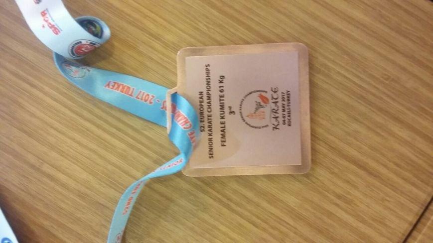Чемпионка Европы по каратэ Анита Серегина везет в Черноморск бронзу в личном поединке и золото в командном противостоянии (фото), фото-3