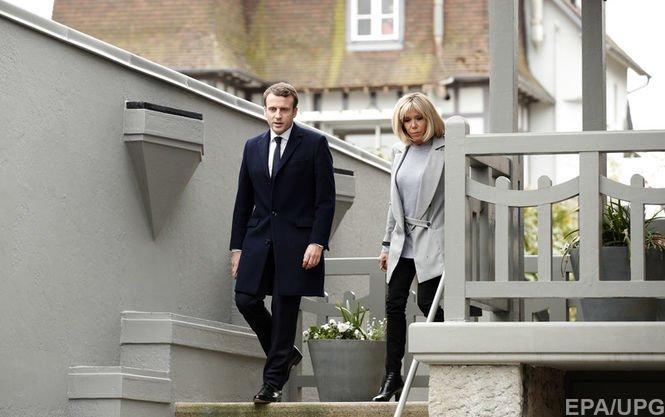ТОП-10 фактів про нового президента Франції Еммануеля Макрона і його першу леді, фото-1
