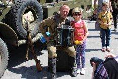 В Покровске прошел автопробег военной техники времен Второй мировой, фото-1