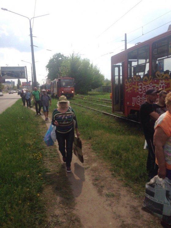 """Новый трамвайный """"дрифт"""" на Салтовке. Движение заблокировано (ФОТО), фото-1"""