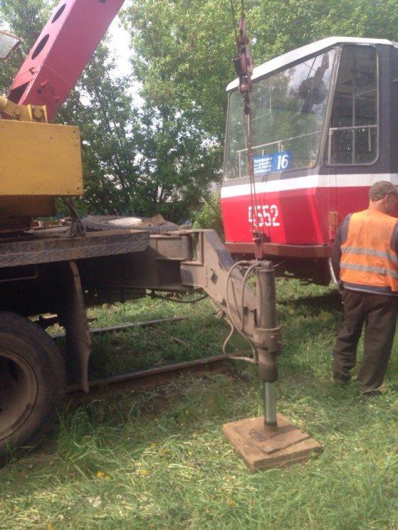 """Новый трамвайный """"дрифт"""" на Салтовке. Движение заблокировано (ФОТО), фото-2"""