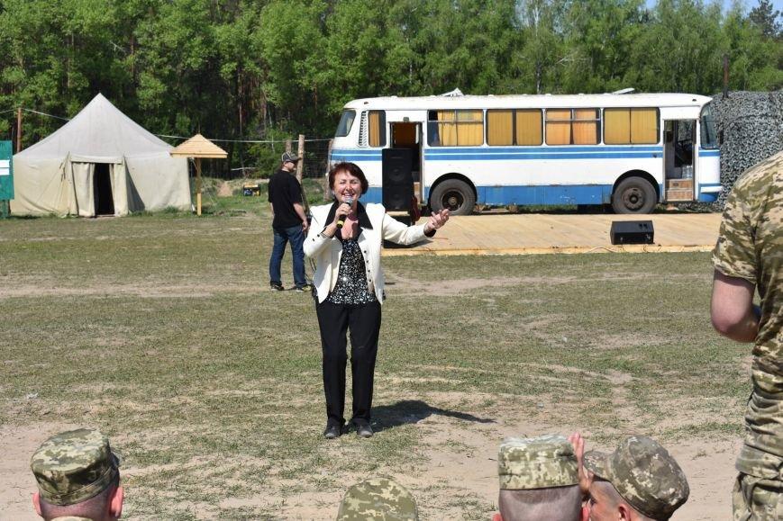 Черниговскими военнослужащим спели артисты, фото-4