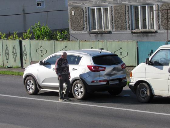 У Ракошині сталася ДТП - зіткнувся мікроавтобус із позашляховиком: фото, фото-2