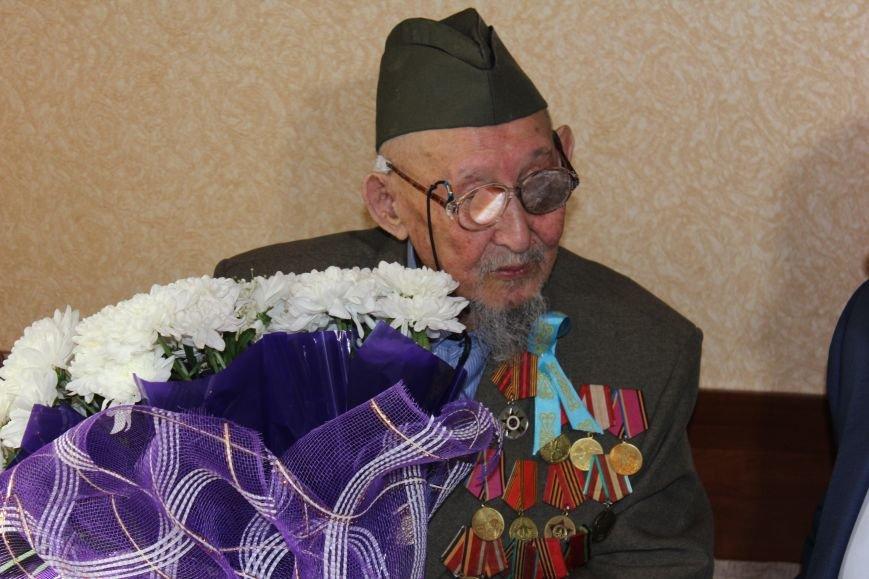 Сотрудники ДВД Мангистауской области навестили ветерана Умирзакова Медресина, фото-3