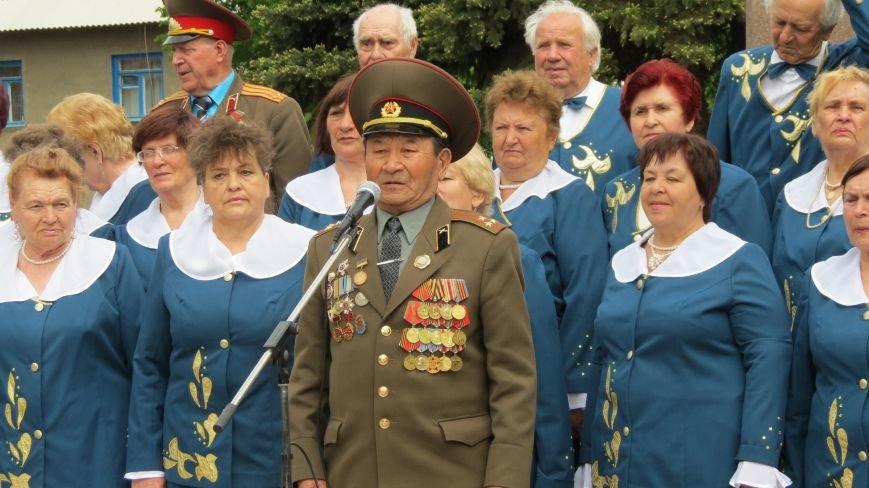 Праздник со слезами на глазах: в Покровске отметили День Победы, фото-3