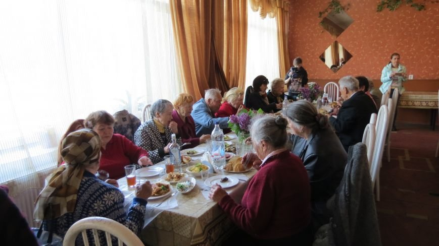 Праздник со слезами на глазах: в Покровске отметили День Победы, фото-26