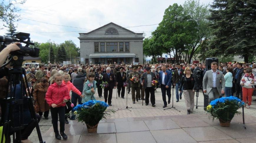 Праздник со слезами на глазах: в Покровске отметили День Победы, фото-17