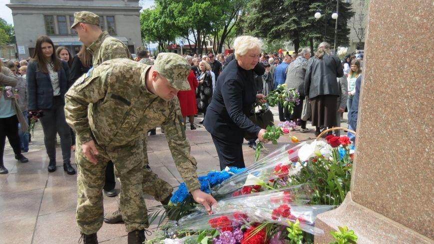 Праздник со слезами на глазах: в Покровске отметили День Победы, фото-21