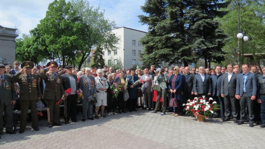 Праздник со слезами на глазах: в Покровске отметили День Победы, фото-2