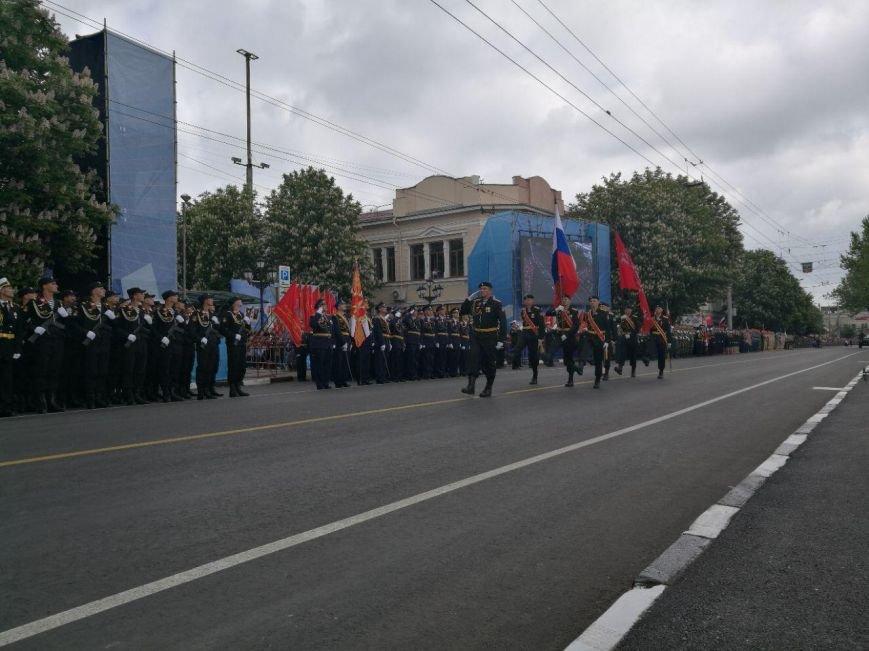 День Победы в Симферополе: шествие «Бессмертного полка» и военный парад (ФОТО), фото-5