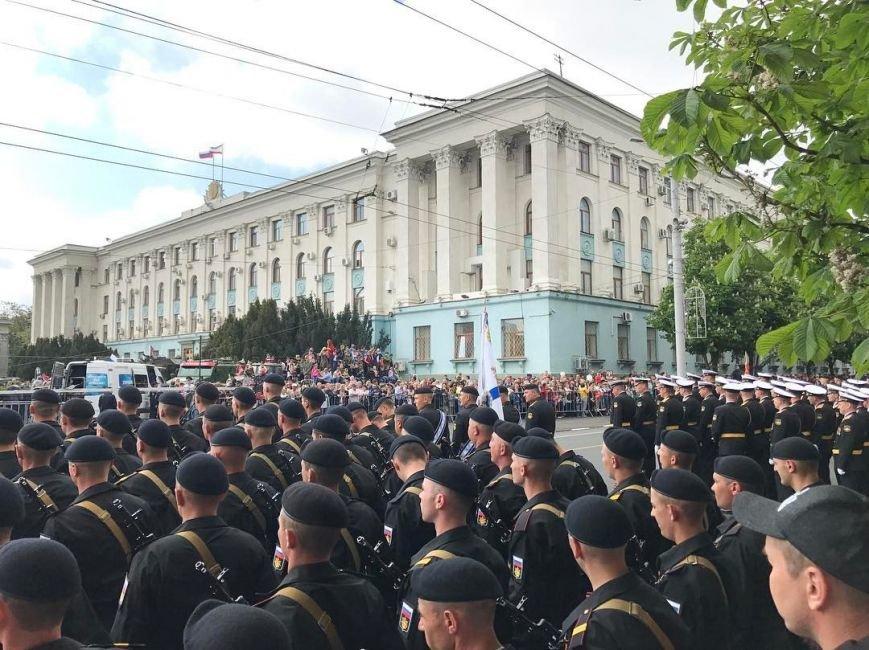День Победы в Симферополе: шествие «Бессмертного полка» и военный парад (ФОТО), фото-4