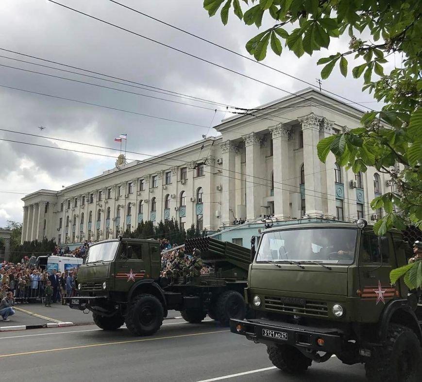 День Победы в Симферополе: шествие «Бессмертного полка» и военный парад (ФОТО), фото-1