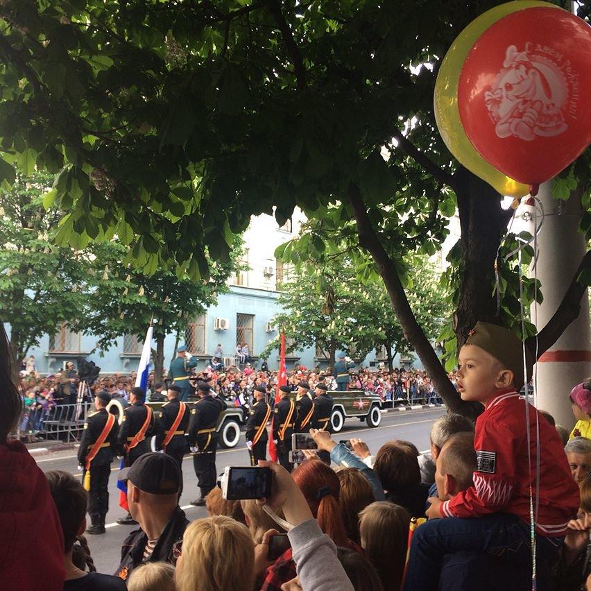 День Победы в Симферополе: шествие «Бессмертного полка» и военный парад (ФОТО), фото-2
