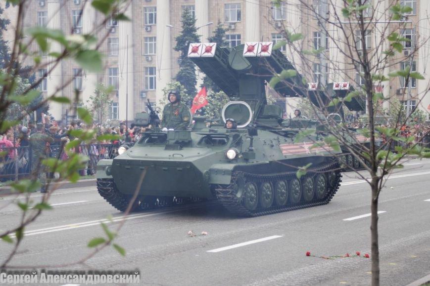В Донецке боевики «ДНР» провели парад с участием бронетехники (ФОТО), фото-10