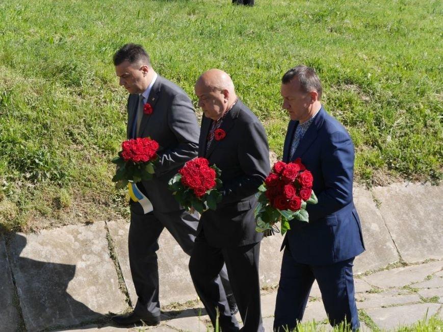 Як в Ужгороді відзначили День Перемоги над нацизмом: фото, фото-18