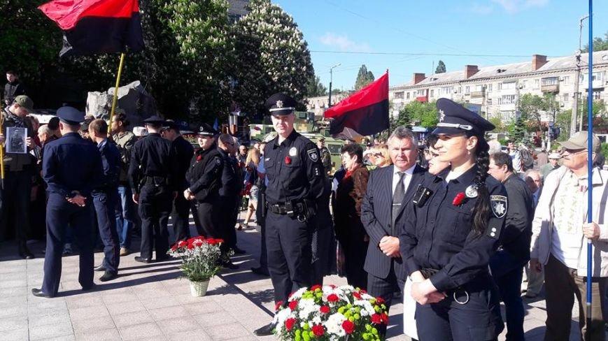 В Кременчуге торжественные мероприятия Дня Победы прошли без провокаций и нарушений общественного порядка, фото-4
