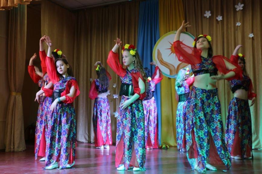 В Бахмуте провели благотворительный концерт в поддержку Анастасии Рыбальченко, фото-3