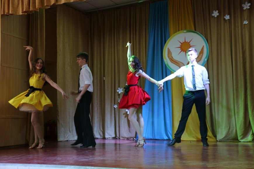 В Бахмуте провели благотворительный концерт в поддержку Анастасии Рыбальченко, фото-17