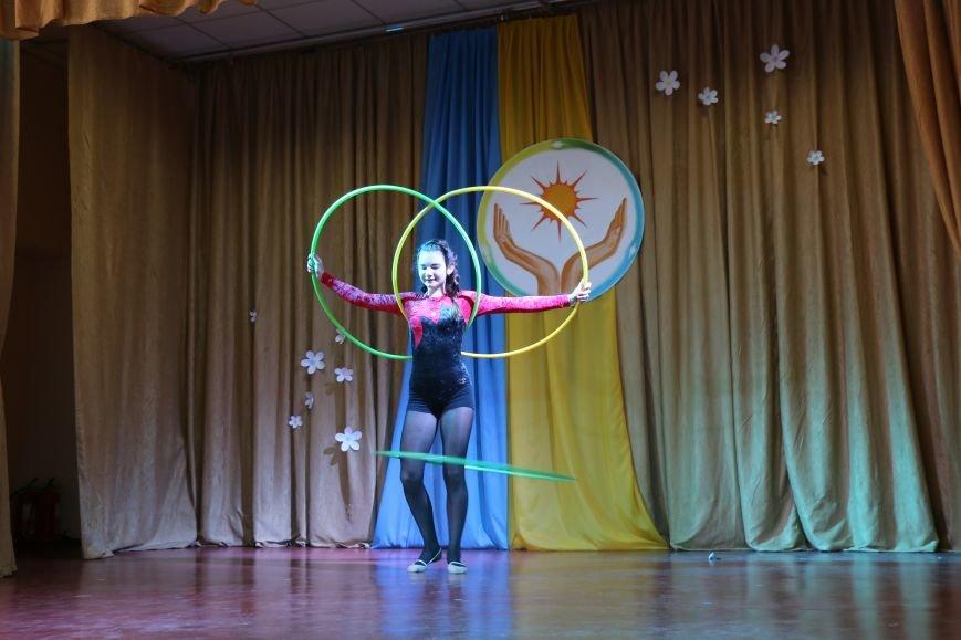 В Бахмуте провели благотворительный концерт в поддержку Анастасии Рыбальченко, фото-6