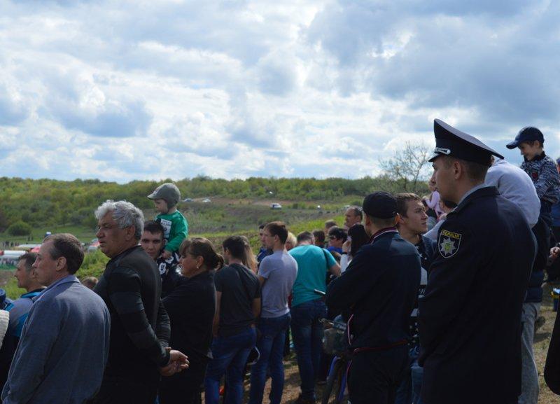 Сотрудники полиции обеспечили общественную безопасность во время чемпионата Украины по мотокроссу, фото-7