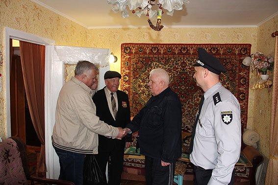 Черниговские правоохранители поздравляли ветеранов с 9 мая, фото-1