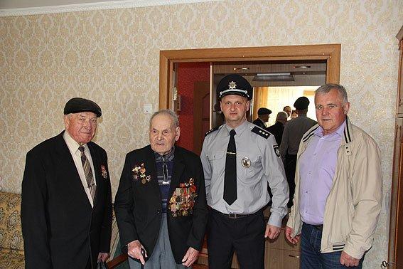 Черниговские правоохранители поздравляли ветеранов с 9 мая, фото-2