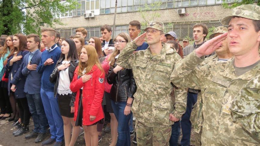 В Покровске увековечили память погибшего в зоне АТО земляка, 22-летнего Влада Казарина, фото-2
