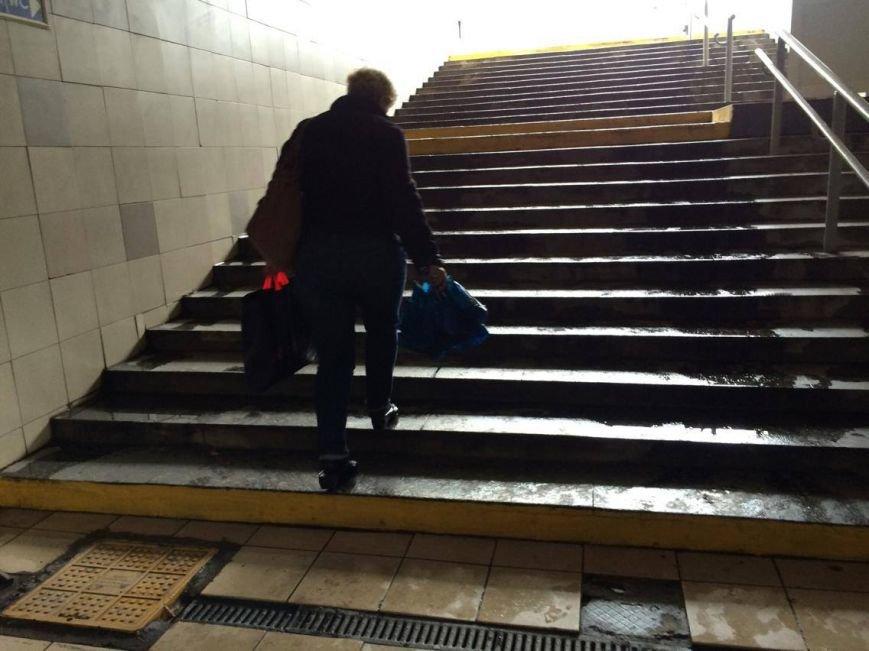 Подземный переход в Мариуполе стал доступнее для людей со слабым зрением (ФОТО), фото-2