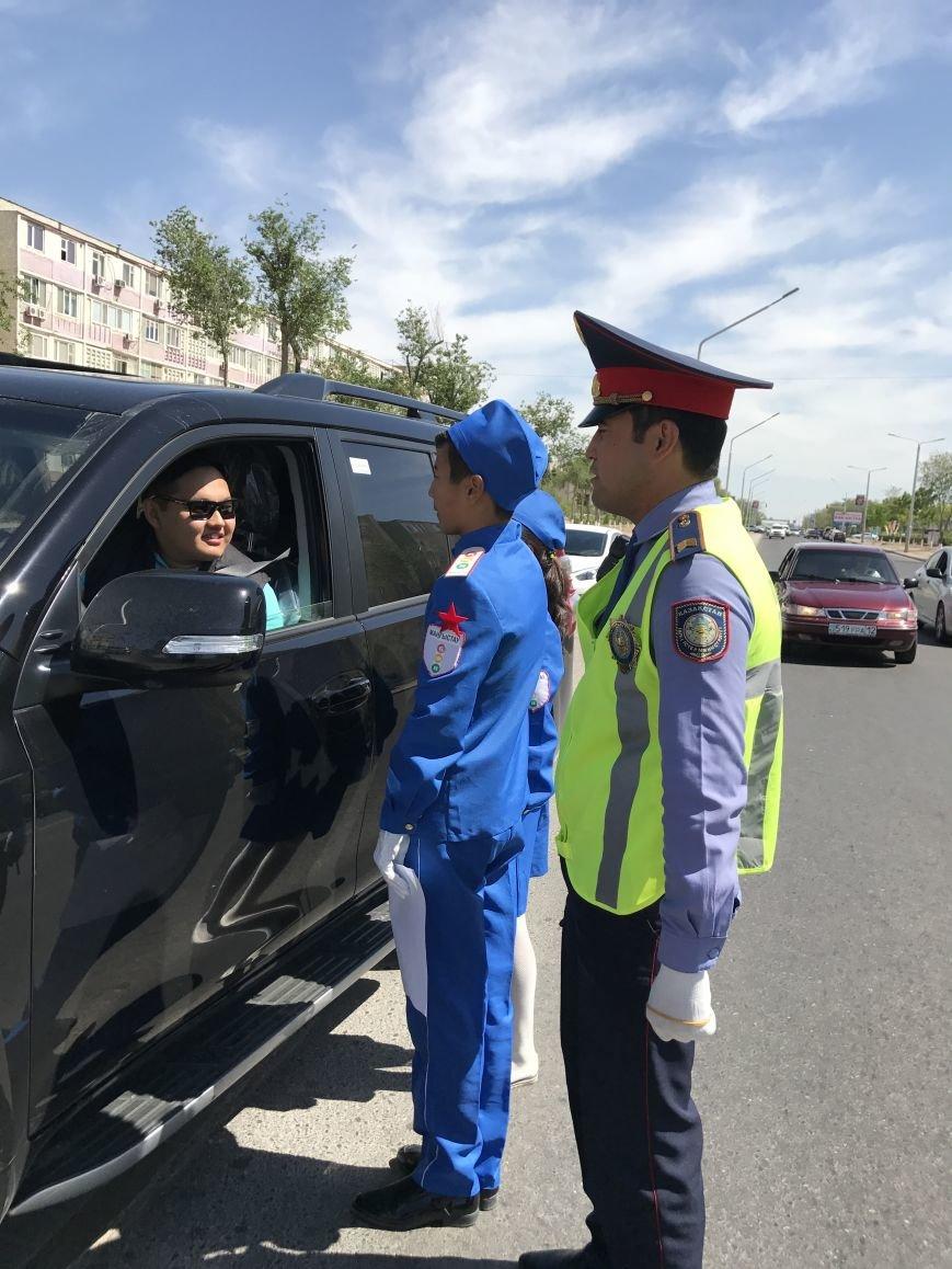 В Мангистау дети призывают водителей к снижению скорости на дорогах, фото-2