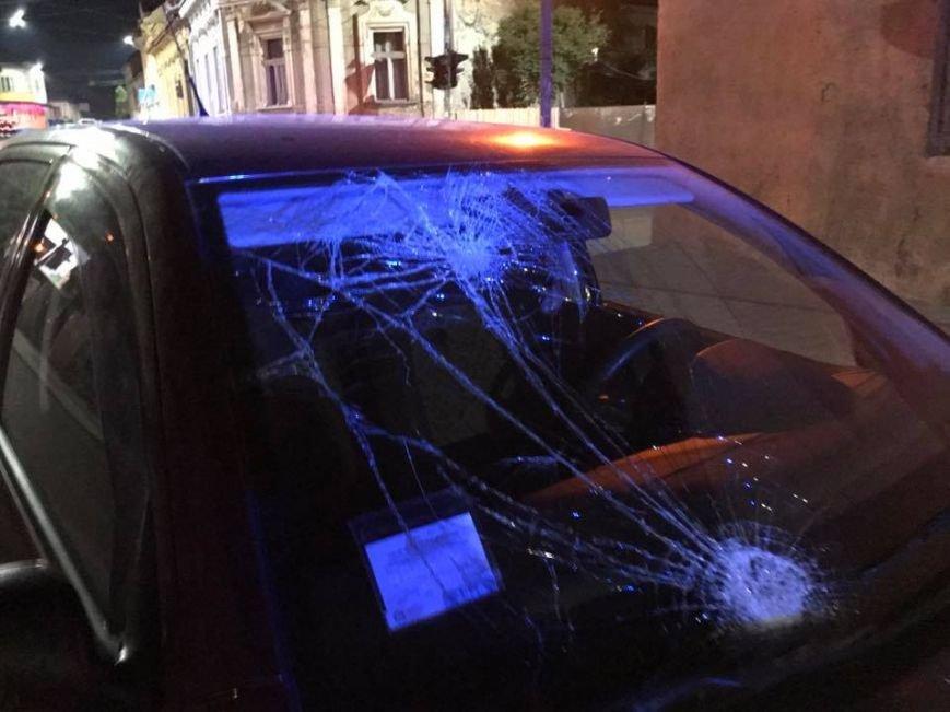 """В Ужгороді на Підгірній на пішохідному переході водій """"Шкоди"""" збив велосипедиста: фото, фото-2"""