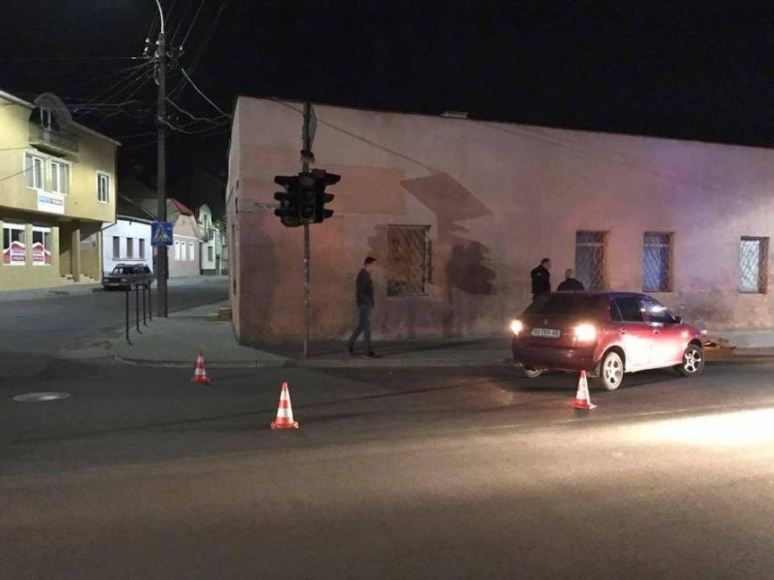 """В Ужгороді на Підгірній на пішохідному переході водій """"Шкоди"""" збив велосипедиста: фото, фото-8"""