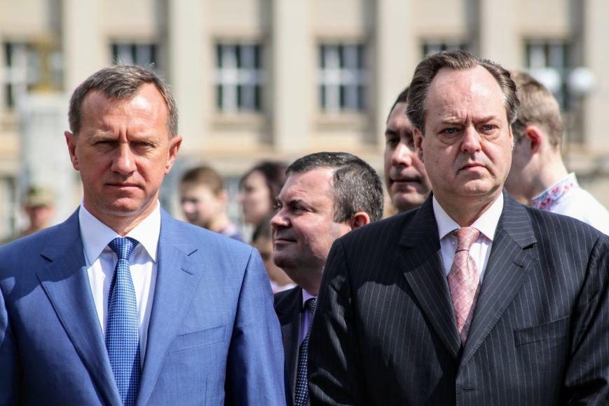Ужгород відсвяткував ухвалення безвізу швидше за Президента: фоторепортаж, фото-1