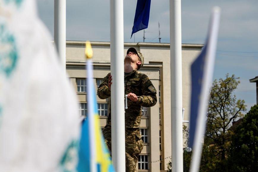 Ужгород відсвяткував ухвалення безвізу швидше за Президента: фоторепортаж, фото-12