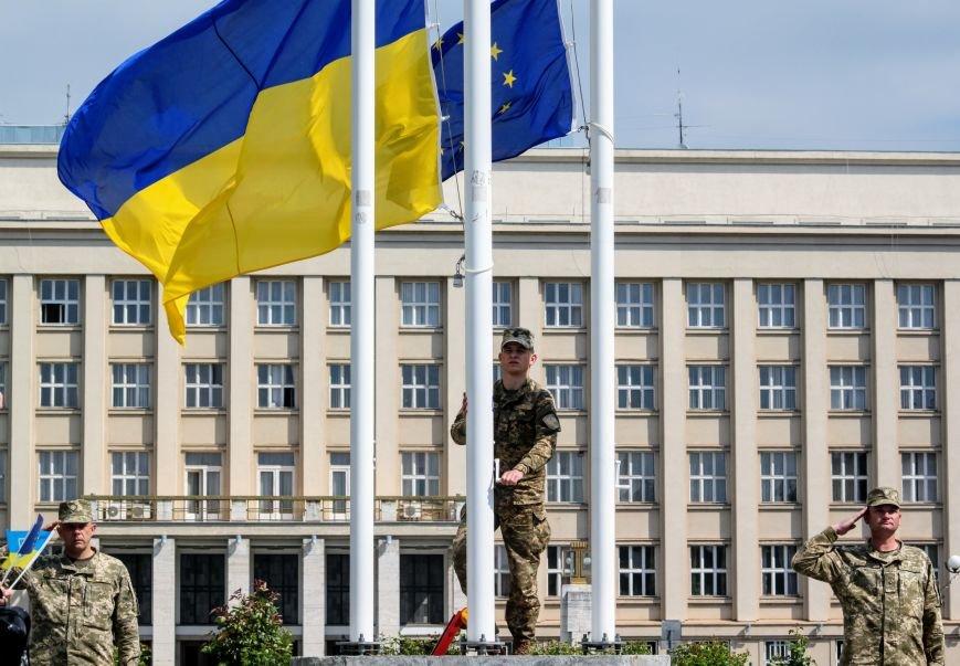 Ужгород відсвяткував ухвалення безвізу швидше за Президента: фоторепортаж, фото-2
