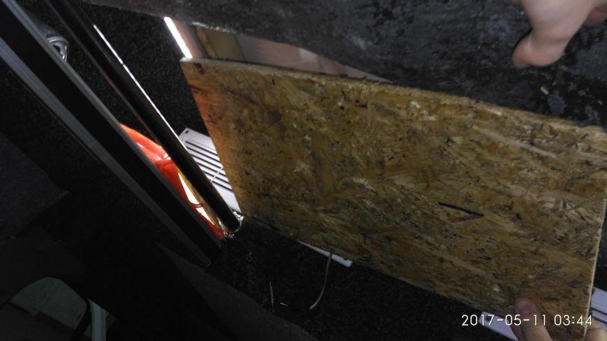 """Водій """"Мерседесу"""" хотів заробити на контрабандних цигарках, однак через митників позбувся авто за 9 тисяч доларів: фото, фото-5"""
