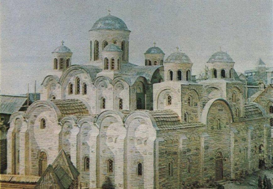 Десятинная церковь рухнула  под весом набившегося в нее народа, фото-1