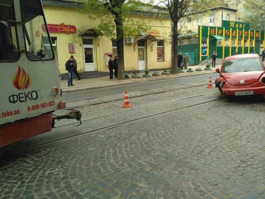На вулиці Шевченка внаслідок ДТП заблокований рух трамваїв: фото з місця події, фото-7