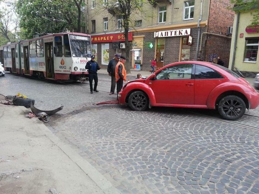 На вулиці Шевченка внаслідок ДТП заблокований рух трамваїв: фото з місця події, фото-4