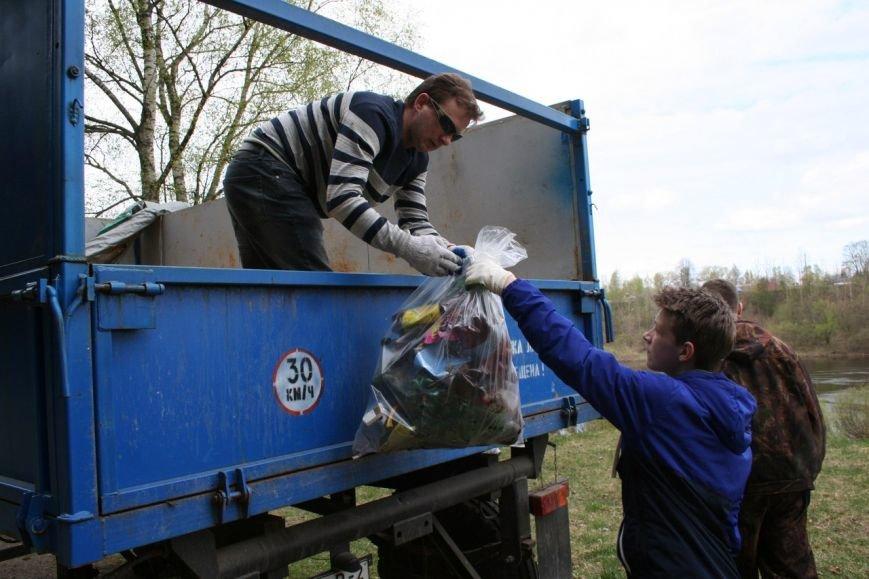 «Радует, что люди приходили семьями, с маленькими детьми». Как прошла акция чистоты в Новополоцке?, фото-2