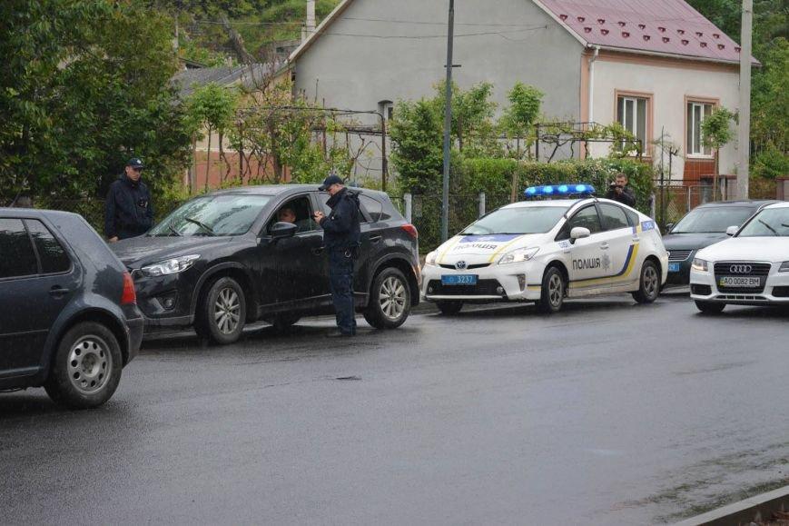 """В Ужгороді патрульні разом із пожежниками ловили """"неграмотних"""" водіїв: фото, фото-2"""