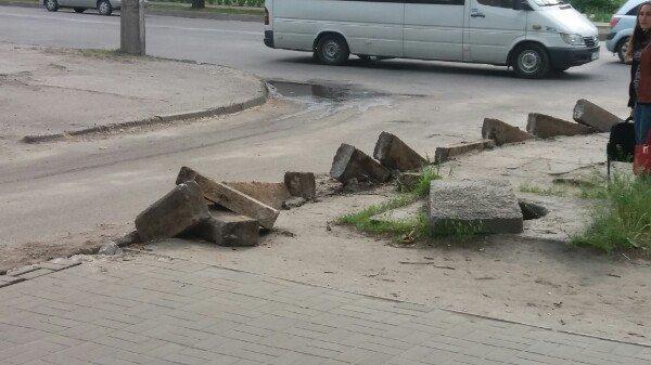 Новые бордюры в городе уже устанавливаются, фото-2