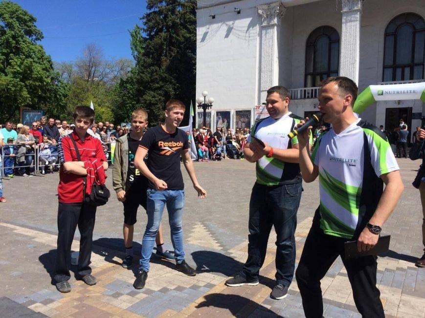 На центральной площади Мариуполя выступили силачи (ФОТО), фото-5