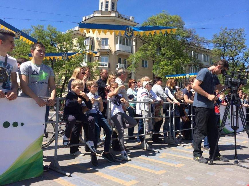На центральной площади Мариуполя выступили силачи (ФОТО), фото-3